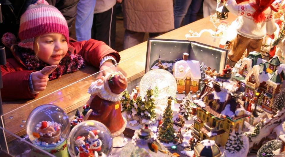 Новогодняя и рождественская ярмарка на Елагином