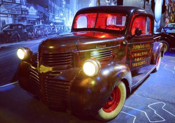 Интерактивный музей ретро автомобилей Route 66