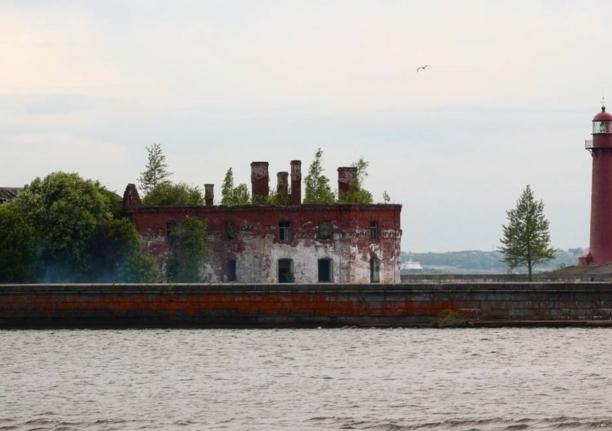 Форт Кроншлот в Кронштадте